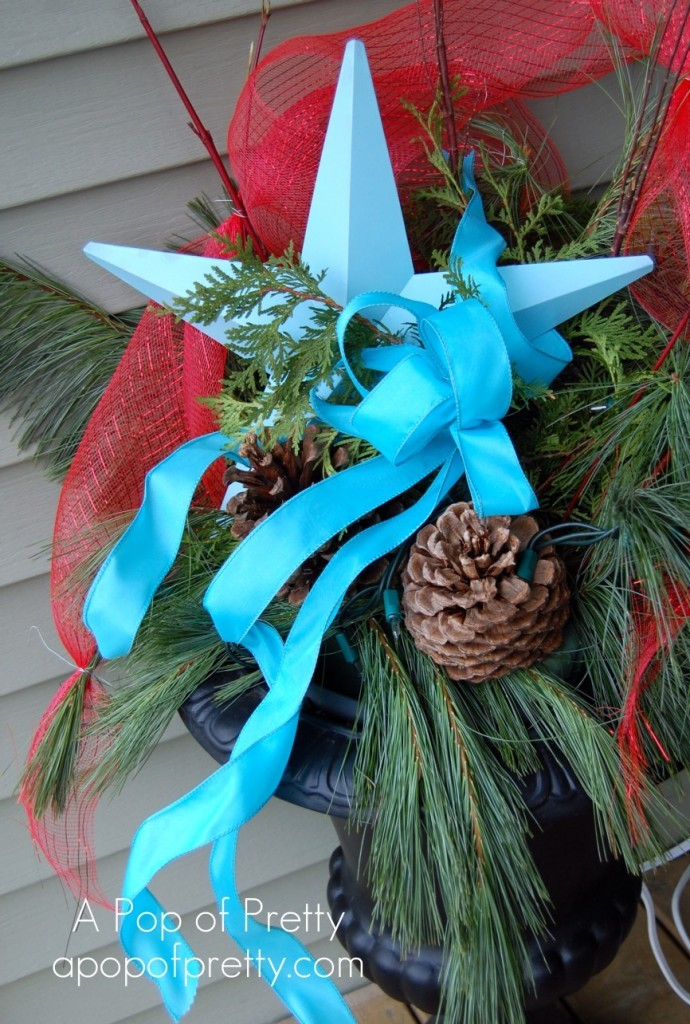 Christmas Decorating: Red &amp; Turquoise Urn
