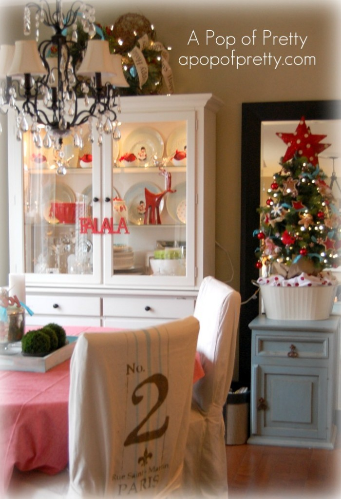 Cottage Christmas Table Decor