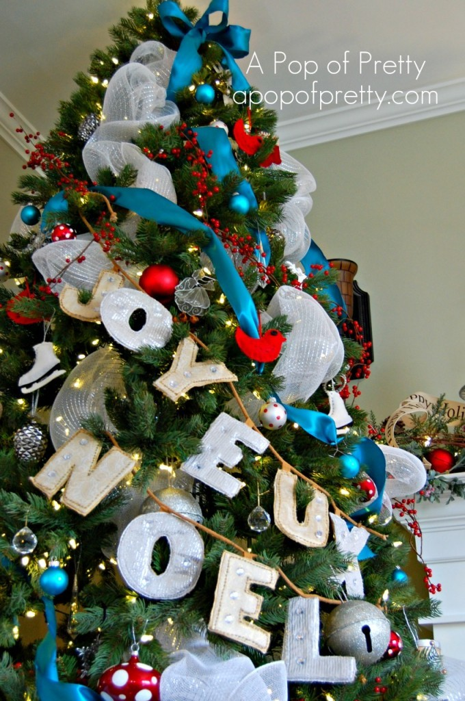 Red & Turquoise Christmas Tree Decor