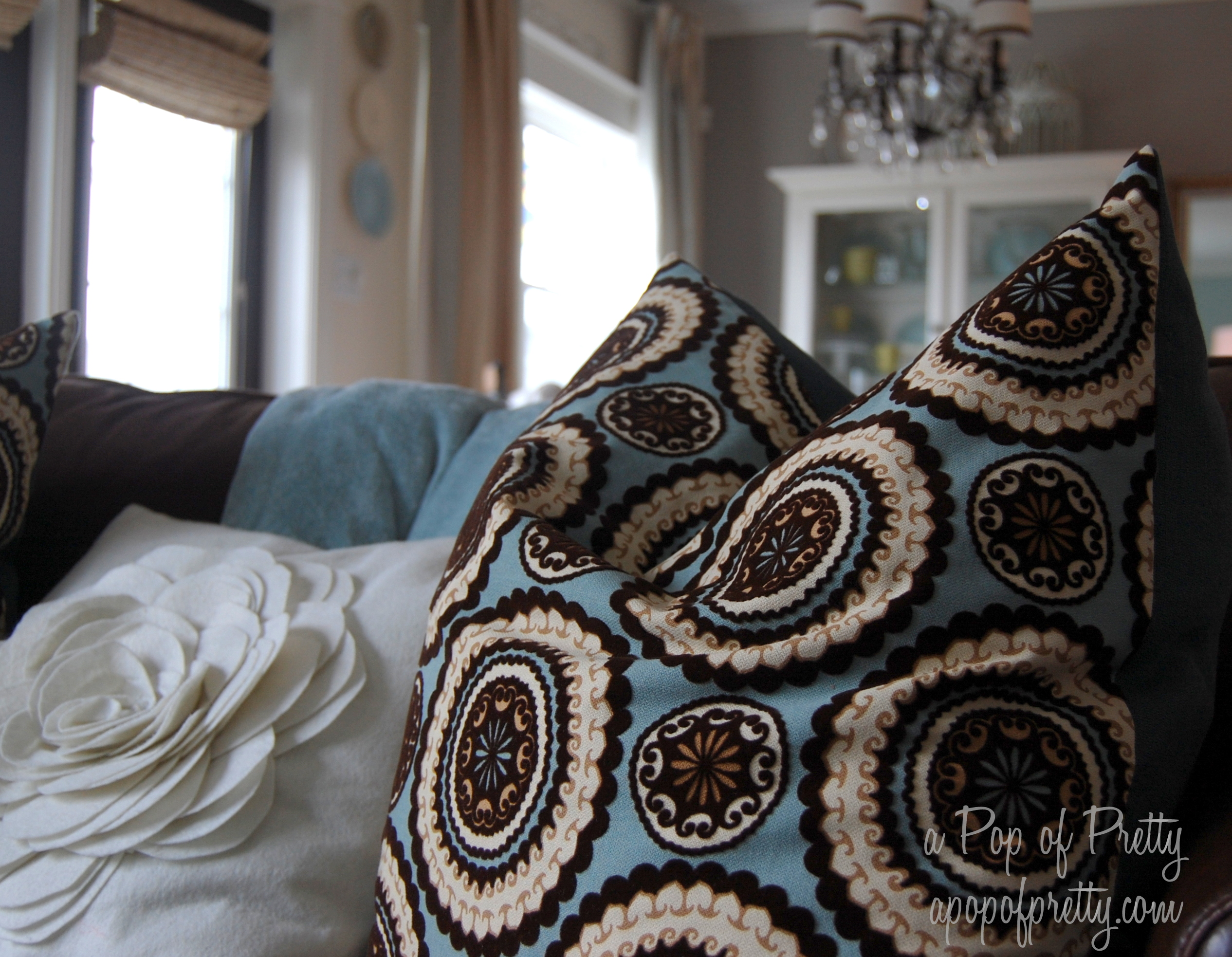 Blue and brown living room a pop of pretty blog canadian home decorating blog st john 39 s - Blue and brown living room ...