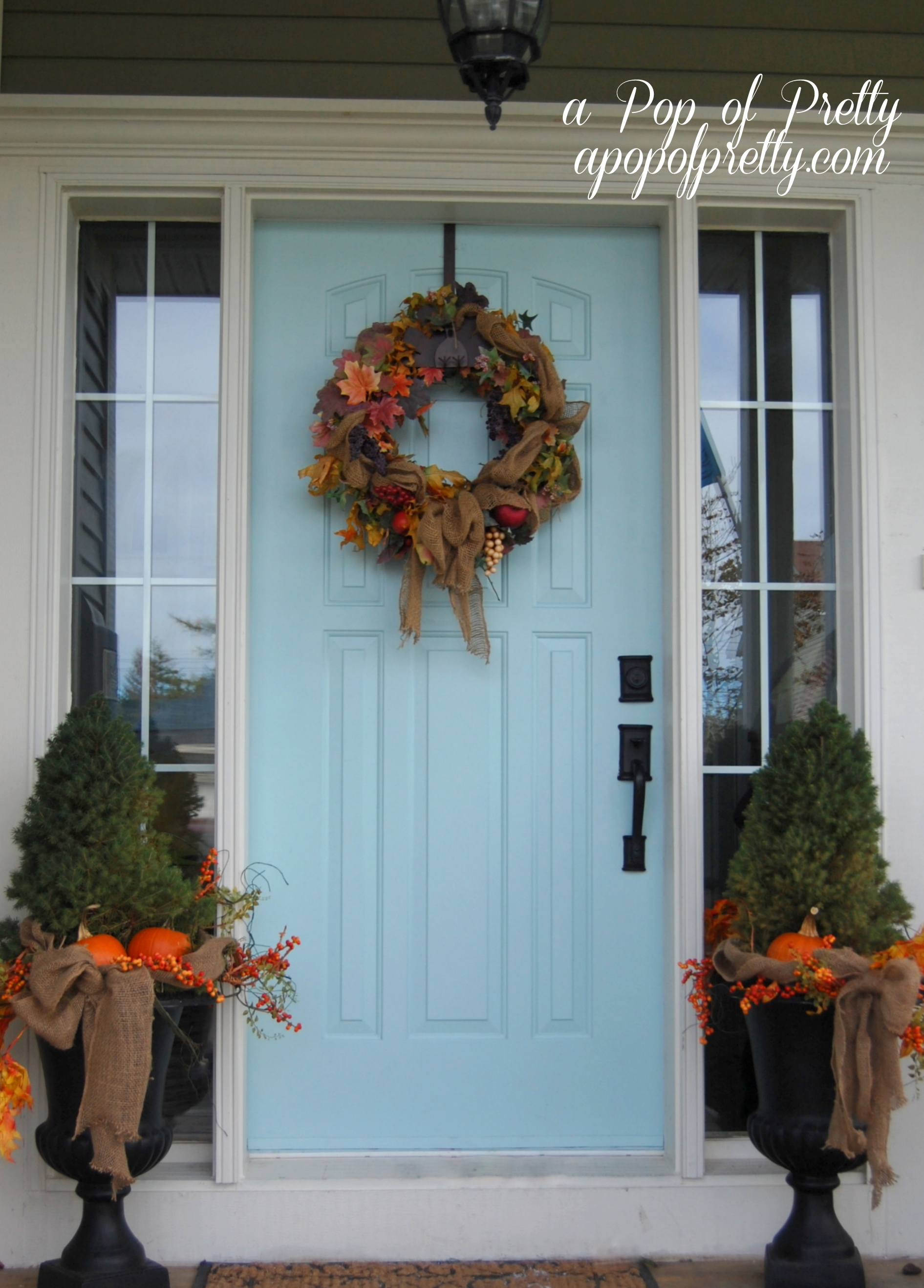 Fall decorating front porch ideas a pop of pretty blog Front veranda decorating ideas