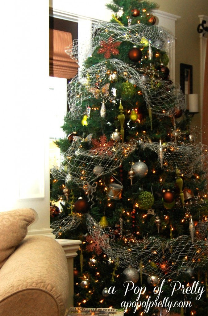 Christmas Tree Decorating: How to Change Your Color Scheme ...