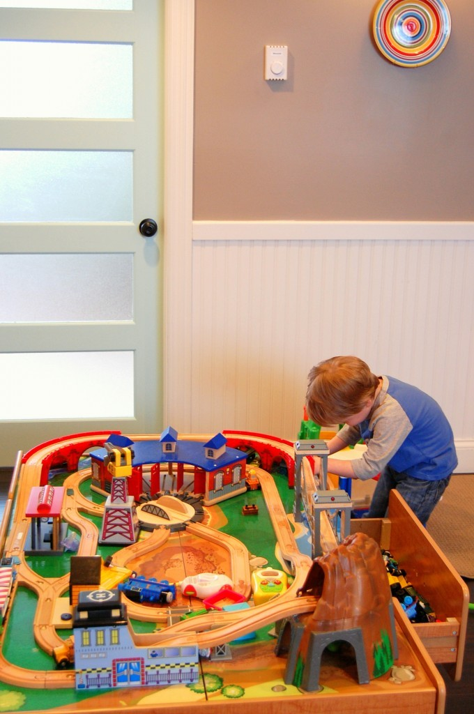 Kidcraft train track