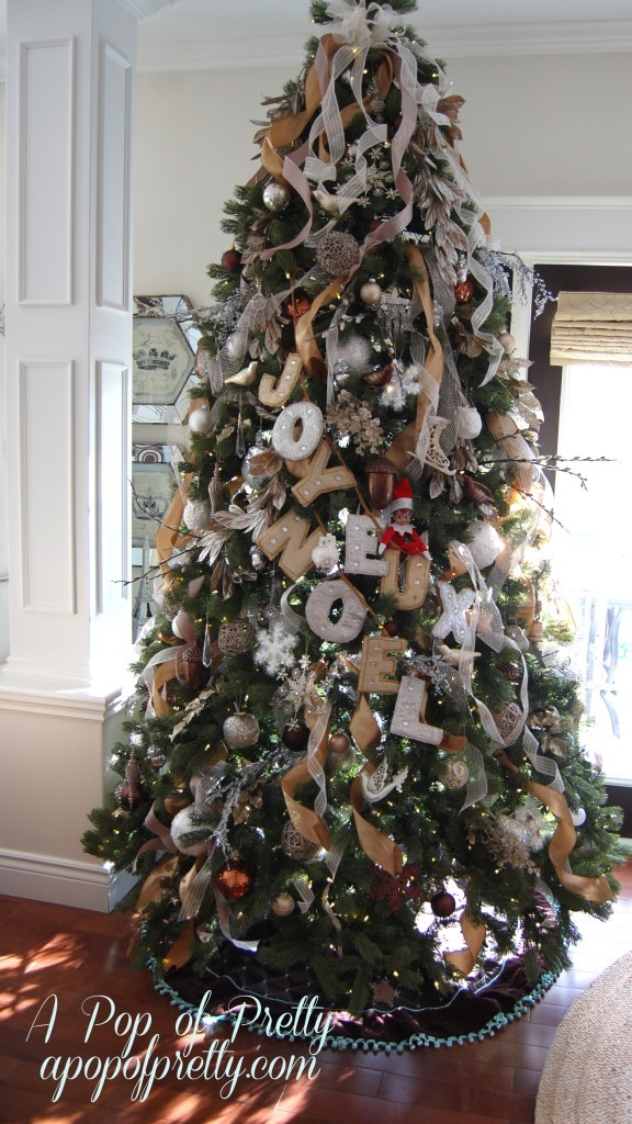 Christmas Tree Decorating With Wire Ribbon : Christmas decorating tip how to add ribbon your tree