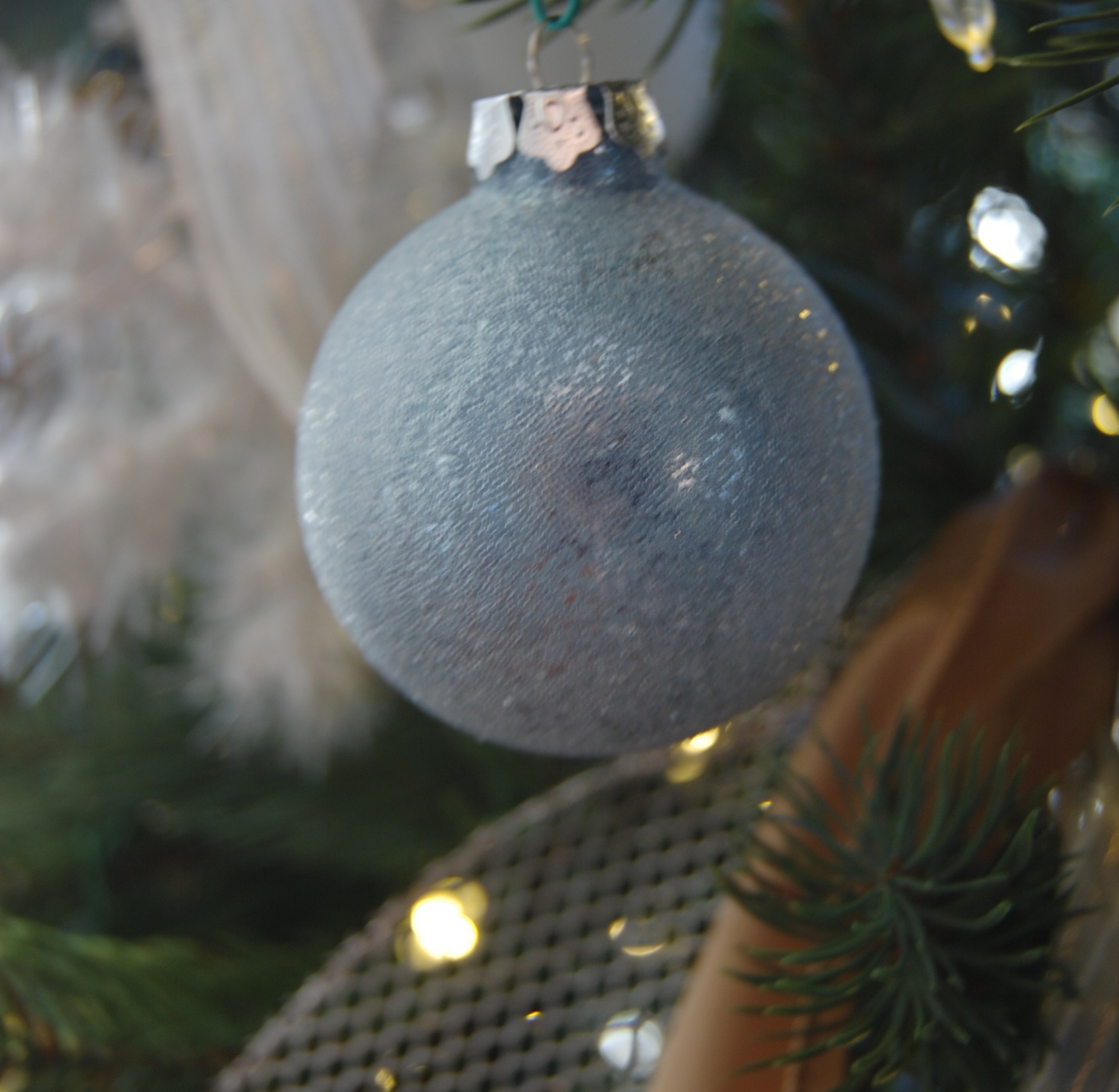 Our Newly, 'Bleu-tral' Christmas Tree (Neutral + Blue)