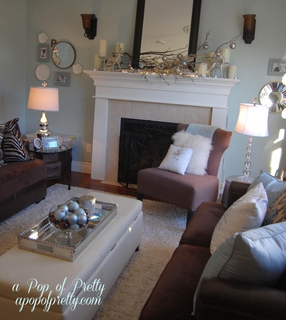 living room Christmas decorating