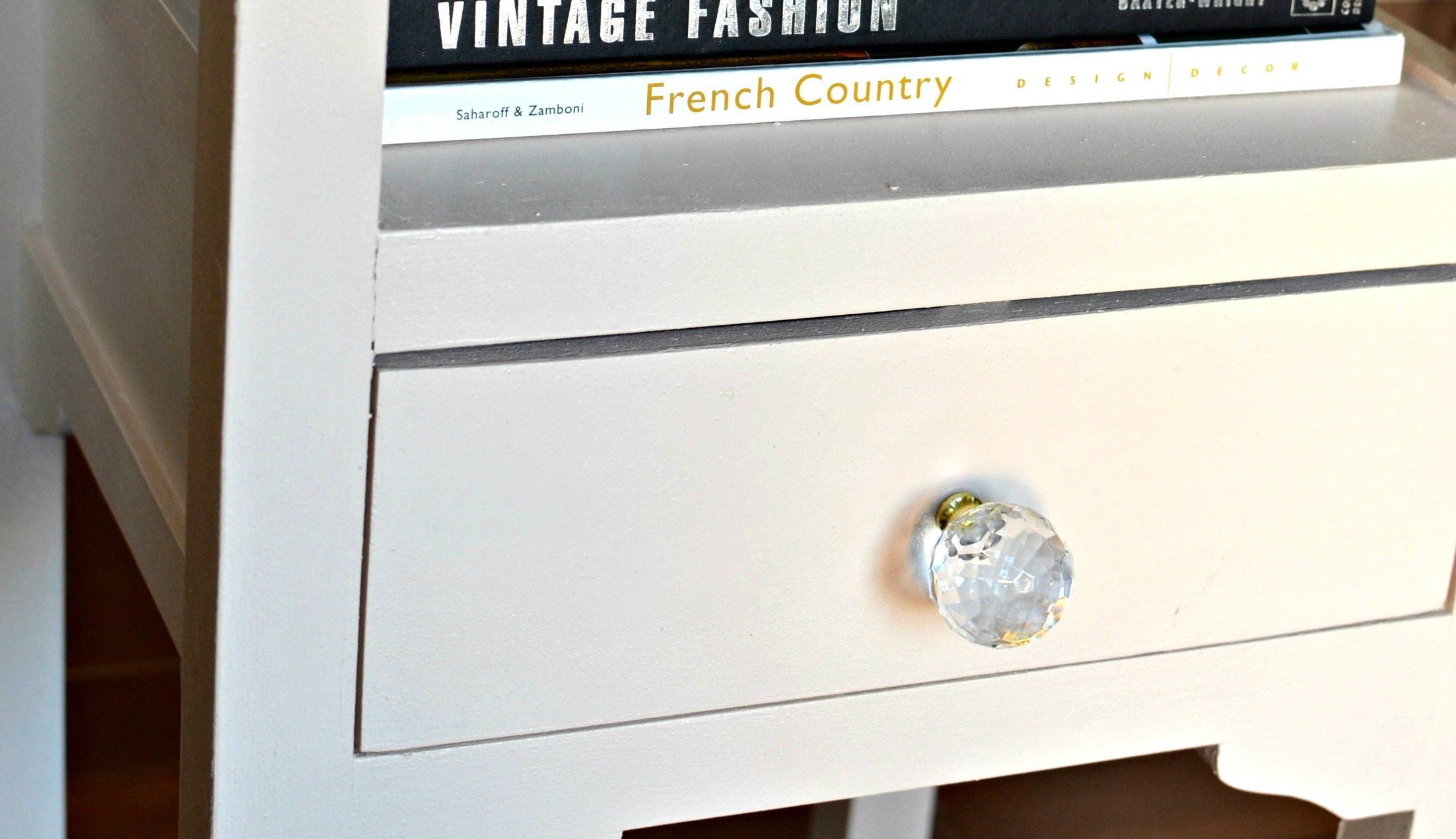 Nightstand Makeover: Behr Marquee Soft Shoe