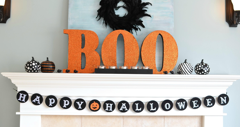 Kid Friendly Halloween Decorating: Big BOO Halloween Mantel