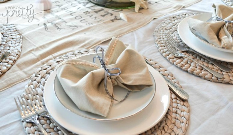 How to Tie Napkins Into Pretty Bows {Summer Table Ideas}