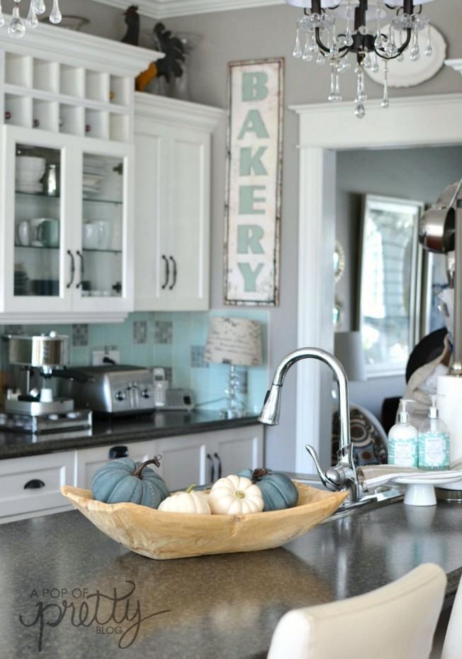Canadian Bloggers Home Tours Our Fall Home A Pop Of