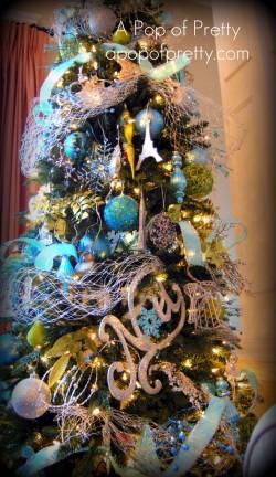 A Tiffany Blue Christmas: My Christmas Mantel & Tree {2010}