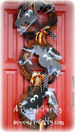 DIY googly-eyed bat wreath