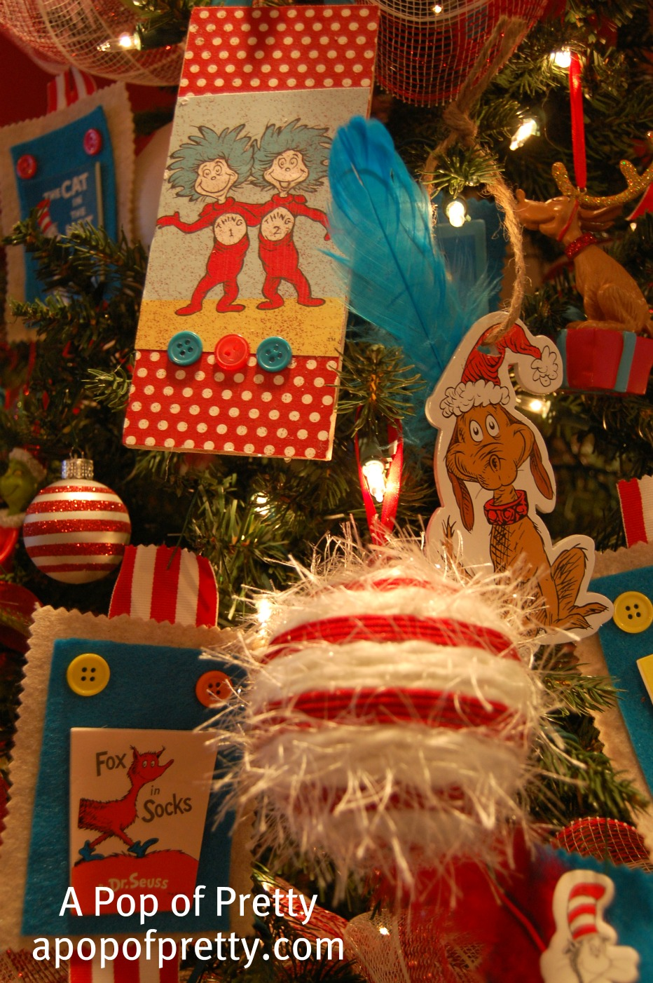 Drseusschristmastree1 a pop of pretty blog canadian for Decorating blogs canada