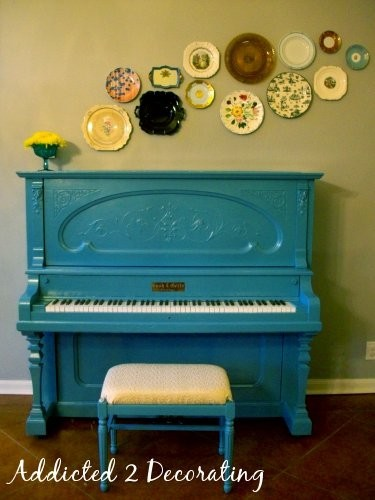 Painting a piano turquoise