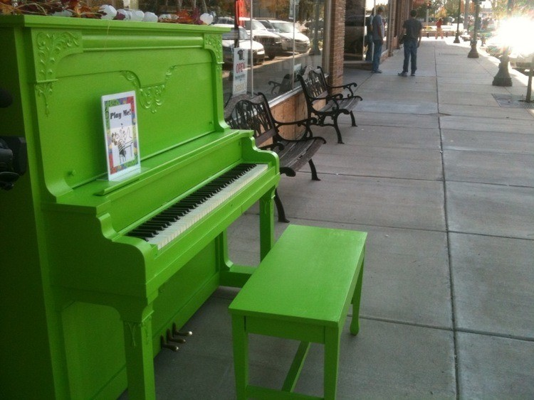 Painting a piano green