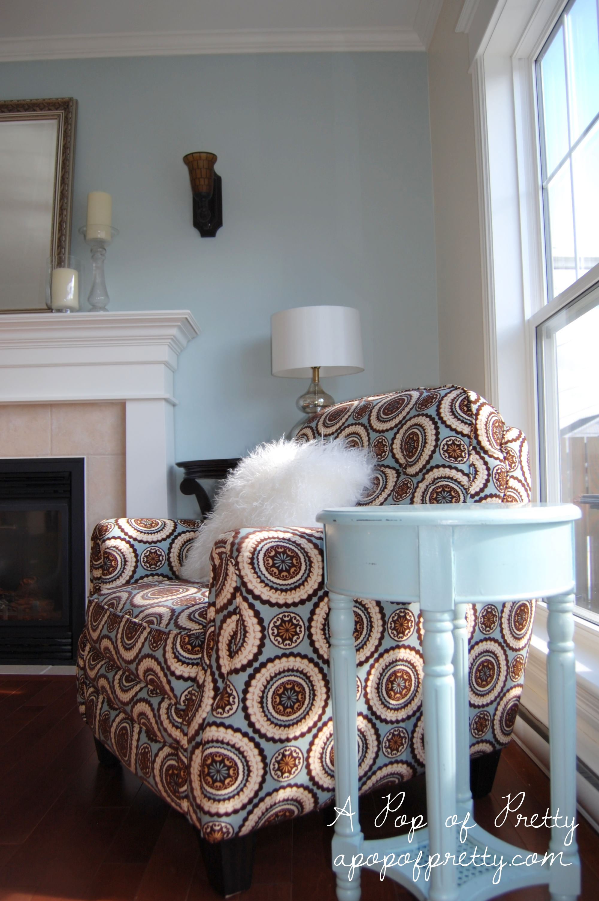 Living Room Makeover Woodlawn Blue & Creamy White Updated pics