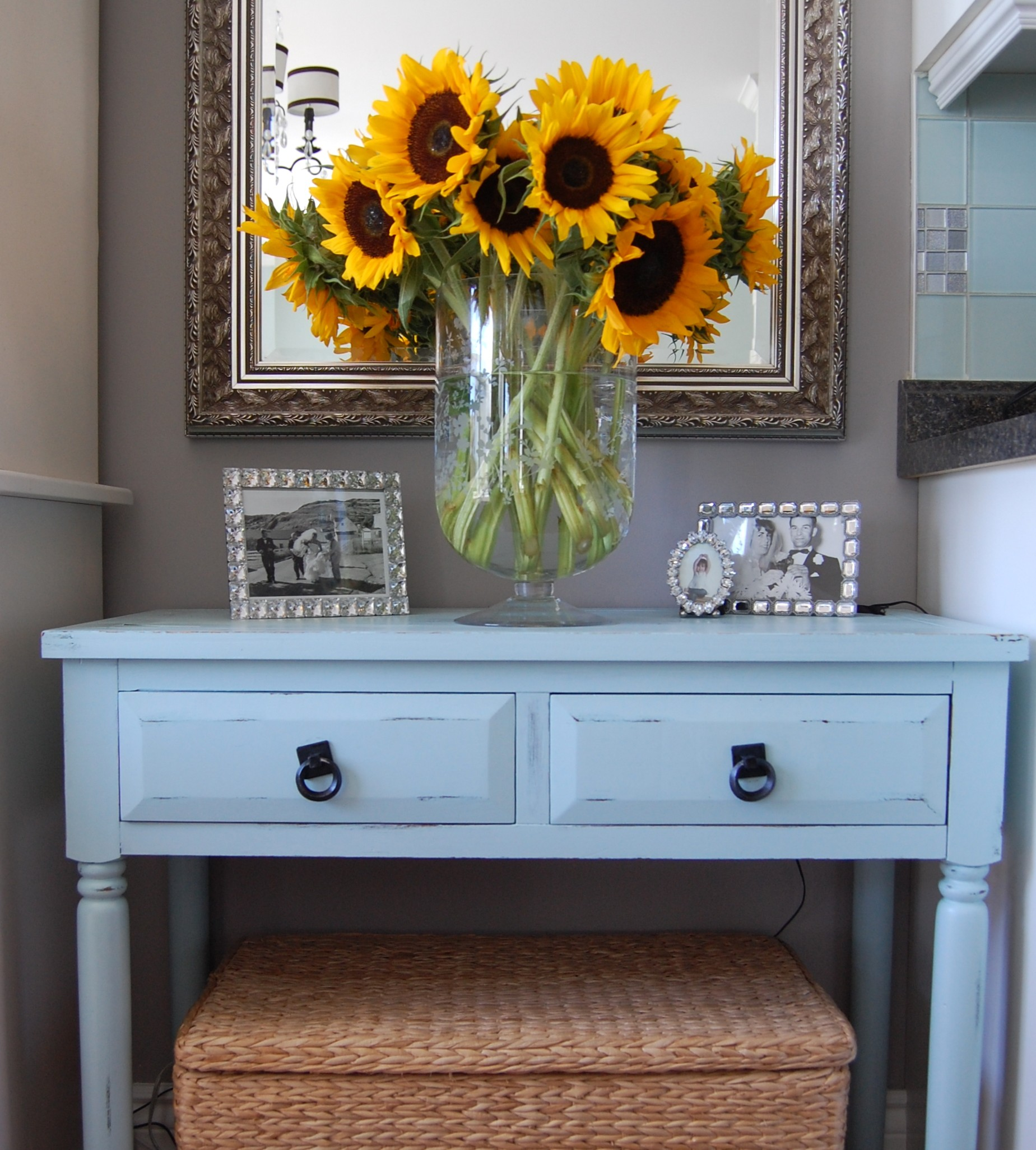 September sunflowers ahhhhhh a pop of pretty blog for Decorating blogs canada