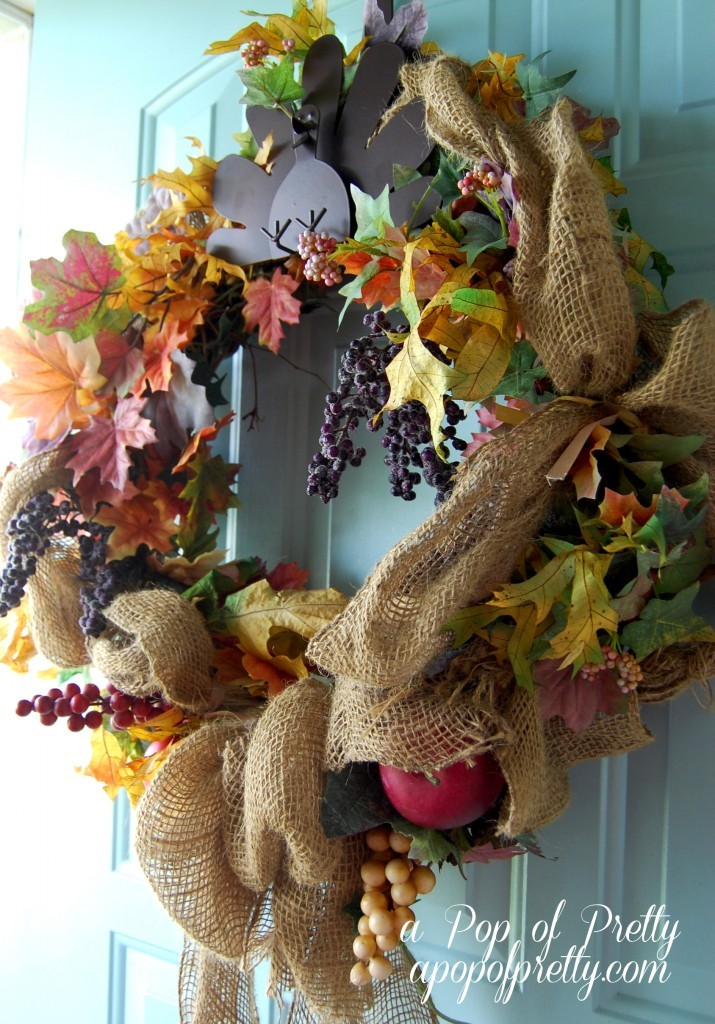 Fall decorating ideas  - burlap wreath