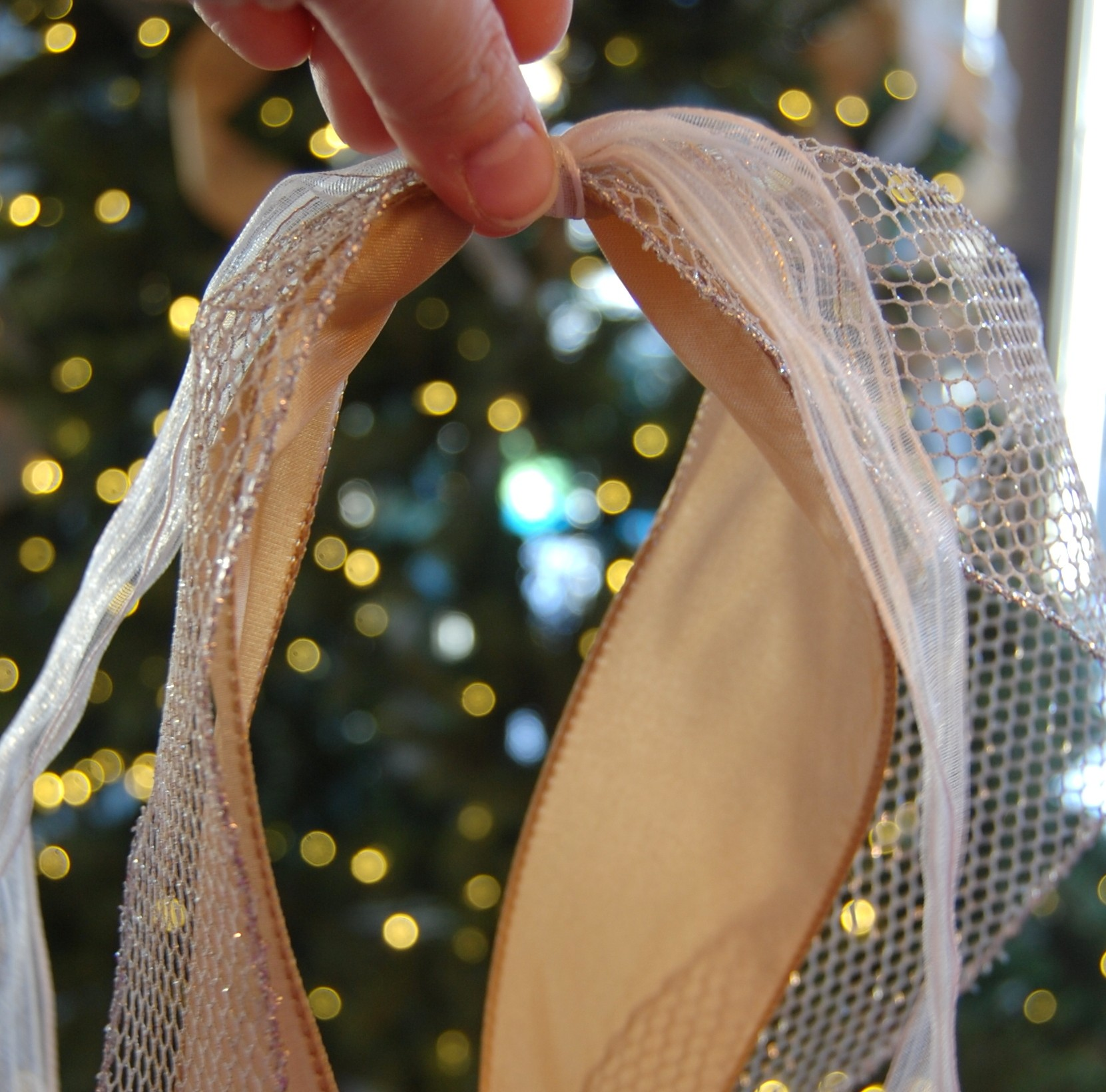 How To Add Ribbon To A Christmas Tree   A Pop Of Pretty Blog (Canadian Home  Decorating Blog   St. Johnu0027s, Canada)