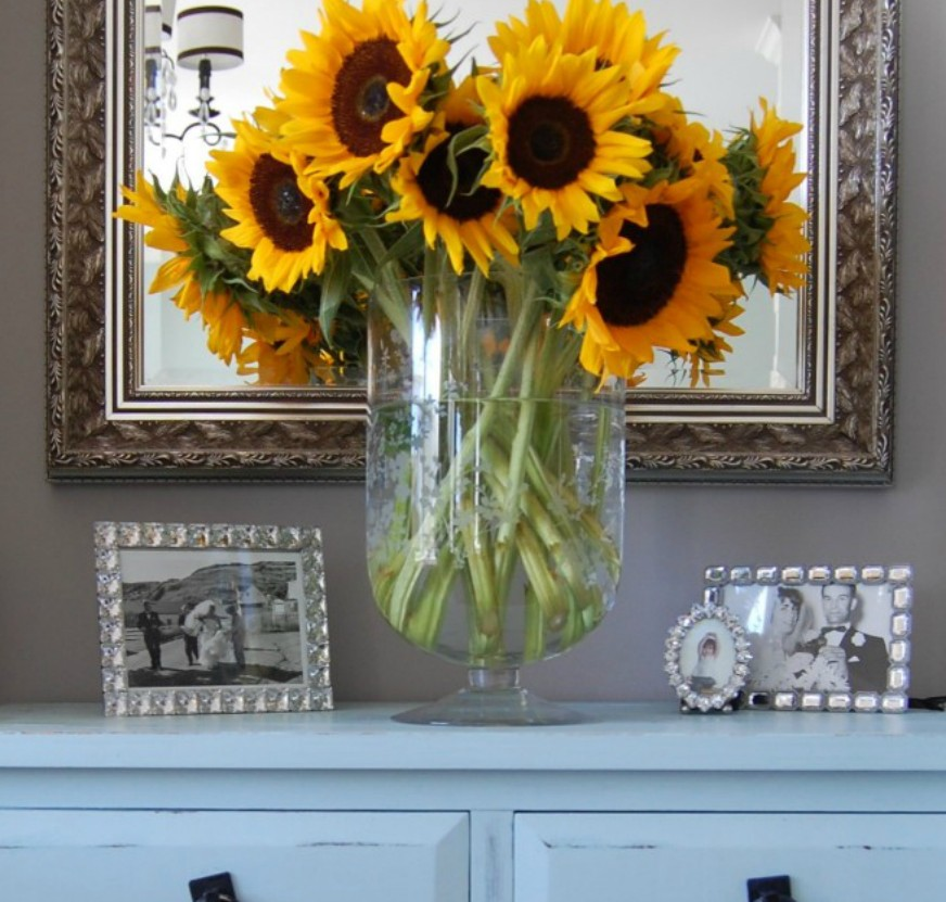 Easy Fall Decorating {How Fall Looks Around Here!}