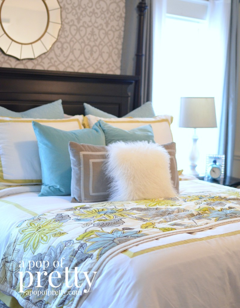 Canadian Bloggers Home Tour - a pop of pretty - master bedroom summer