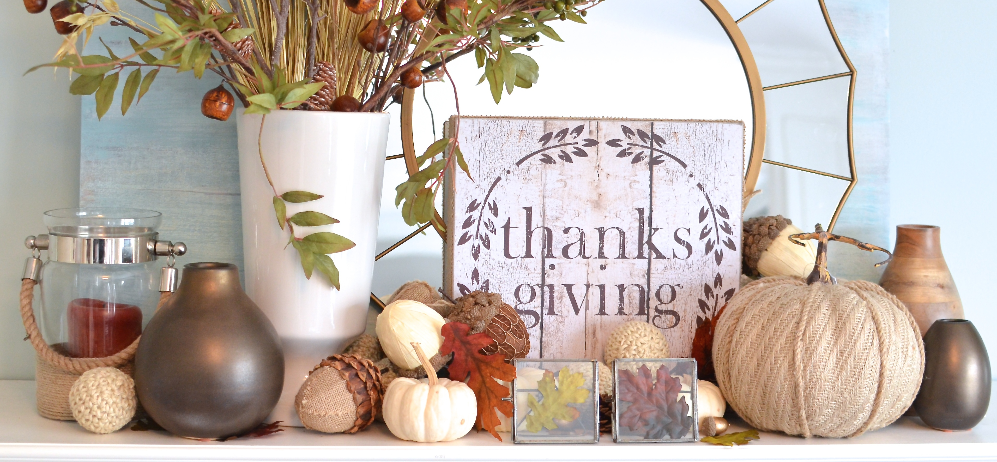 Thanksgiving Mantel : 100% Glitter-Free!