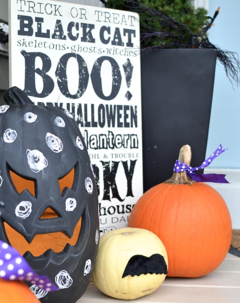no carve pumpkin ideas - chalkboard pumpkin