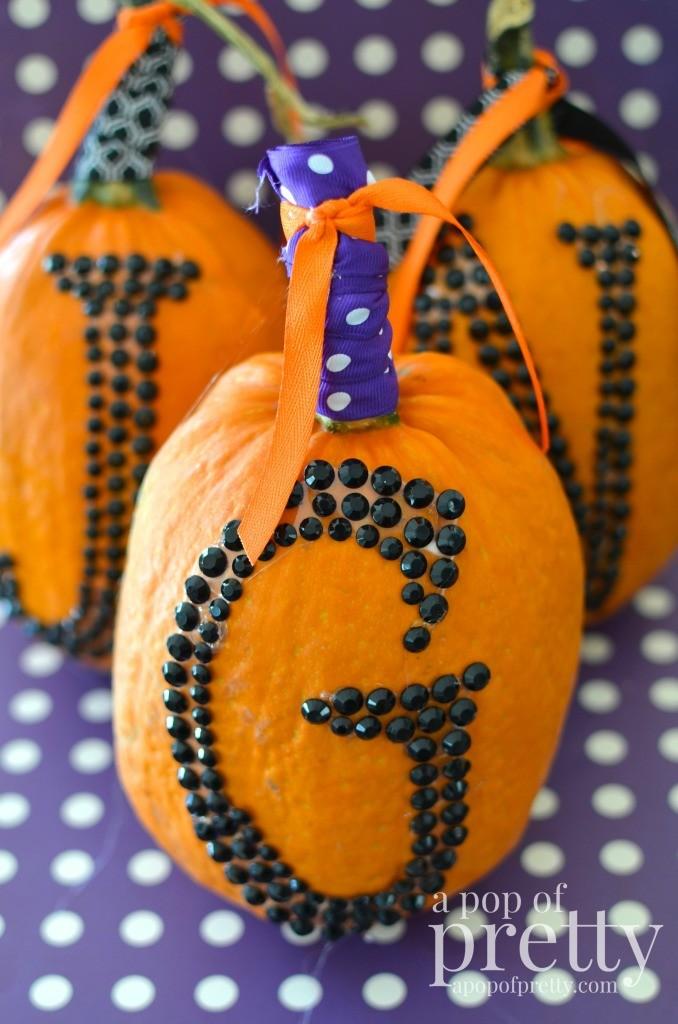 no carve pumpkin ideas - monogram pumpkin