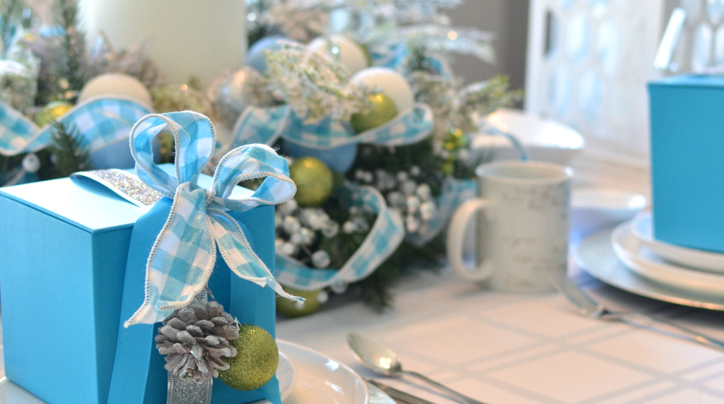 Frosty Blue Holiday Tablescape A Pop Of Pretty Canadian
