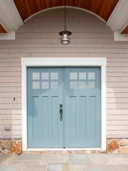 Door Color Ideas 10 Pretty Blue Doors A Pop Of Pretty