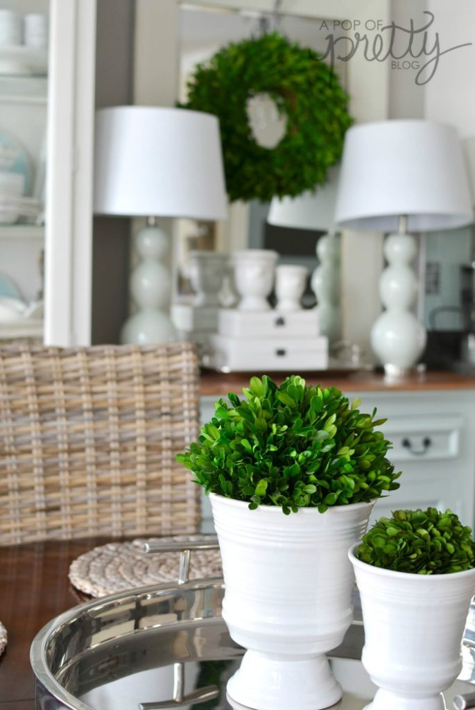 summer decorating with boxwood