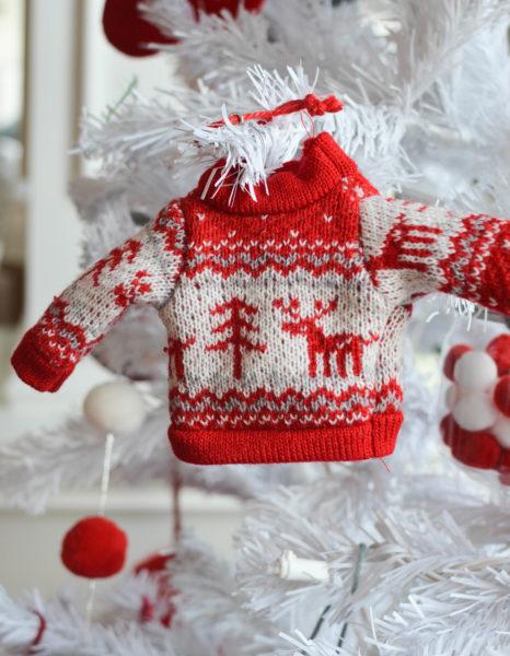 Nordic sweater decoration