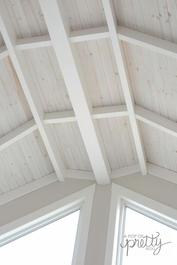 shiplap ceiling lakehouse design
