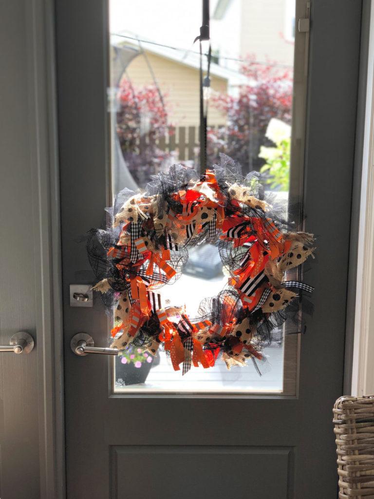 How to make a ribbon wreath for any season