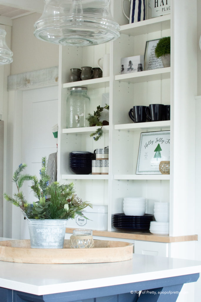 Simple Christmas decor kitchen