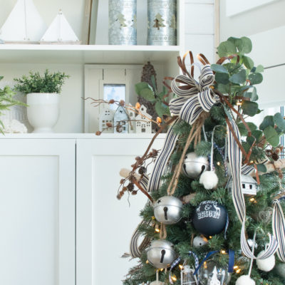 Rustic Christmas Tree (How to Get That Farmhouse Look)