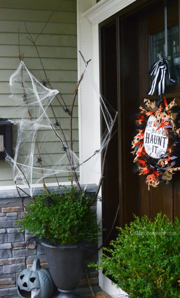 Halloween decor outdoor idea