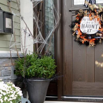 Halloween Decor Outdoor: Happy Haunting Porch
